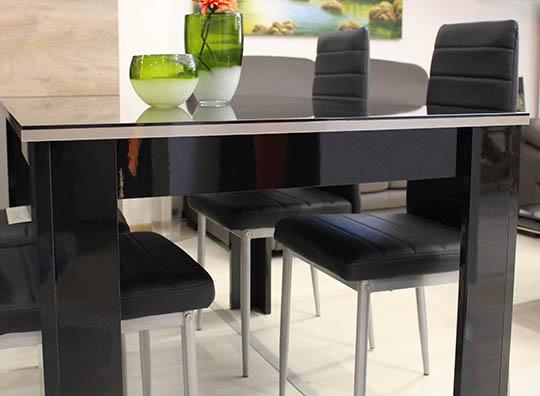 Tavolo rettangolare allungabile con sedie brafa for Tavolo allungabile con sedie